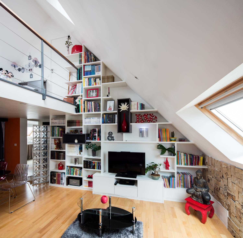 bibliotheque sous-pente meuble TV sur-mesure