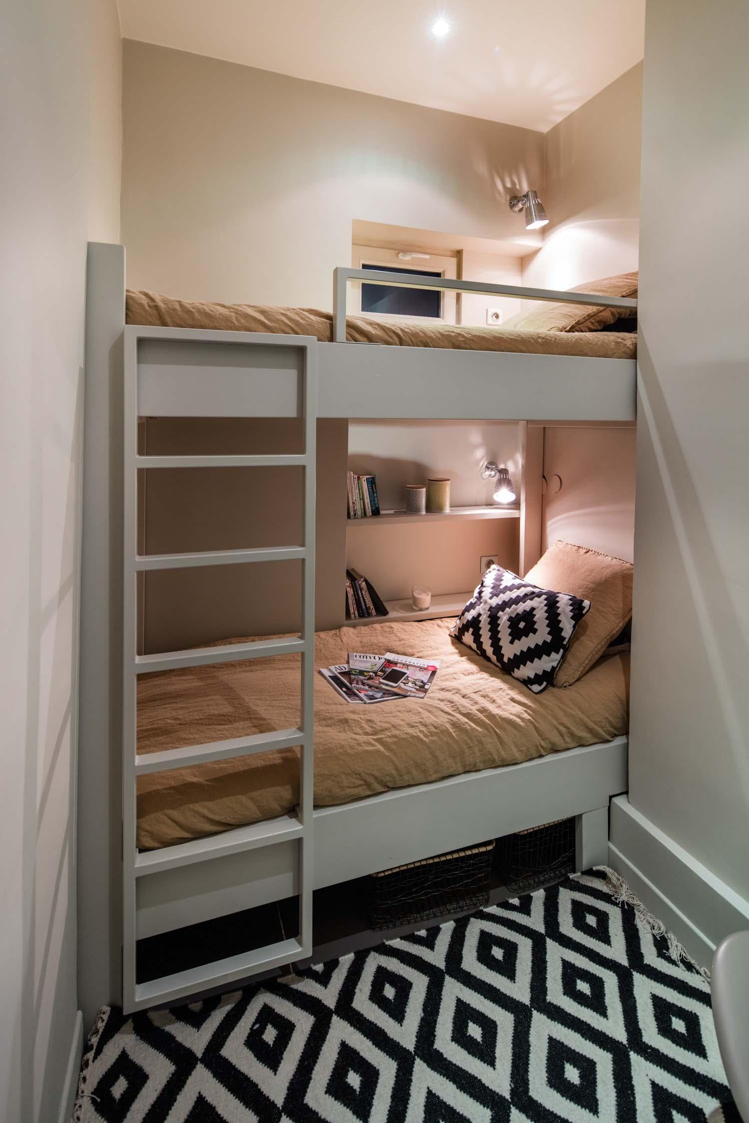 Lit Superposé Sous Pente une chambre sur-mesure avec lits superposés - compagnie des
