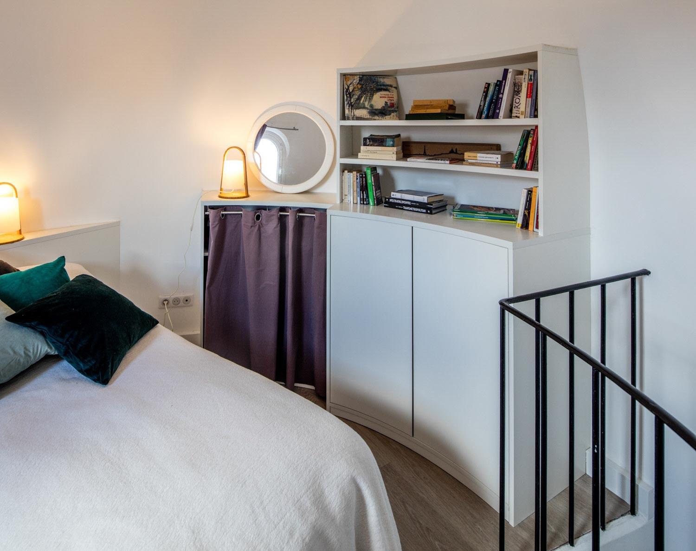 Tringle A Rideau Pour Sous Pente optimiser un angle arrondi pour une chambre sur-mesure
