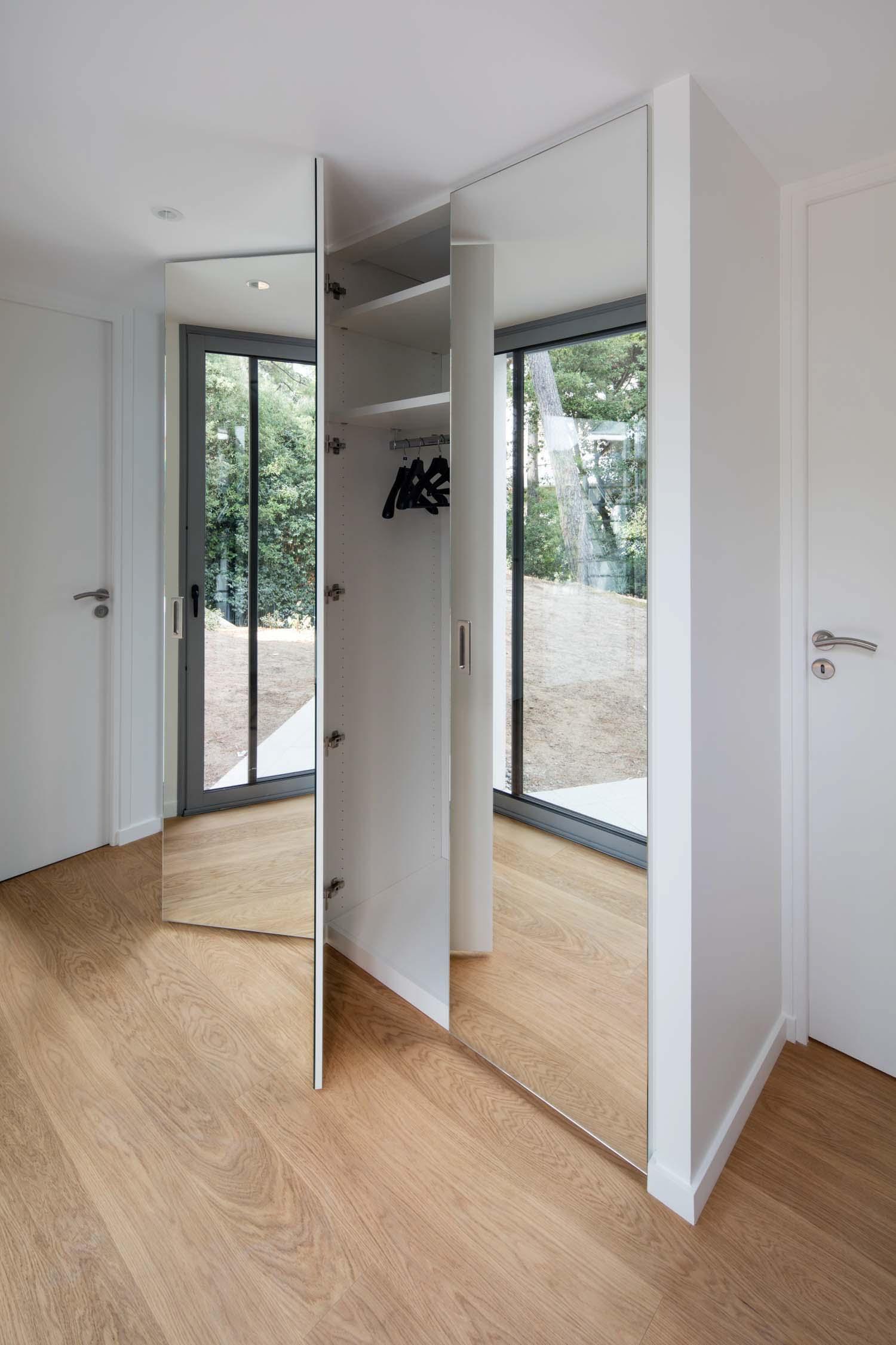 Dressing placard sur-mesure portes miroirs