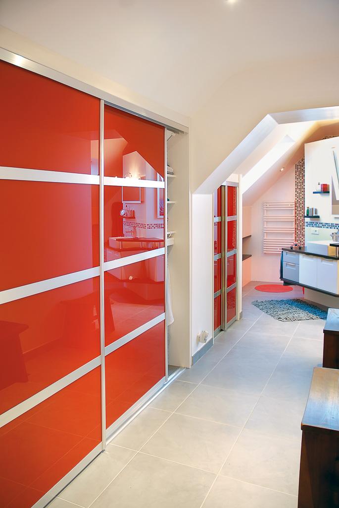 grands placards sous pente compagnie des ateliers. Black Bedroom Furniture Sets. Home Design Ideas