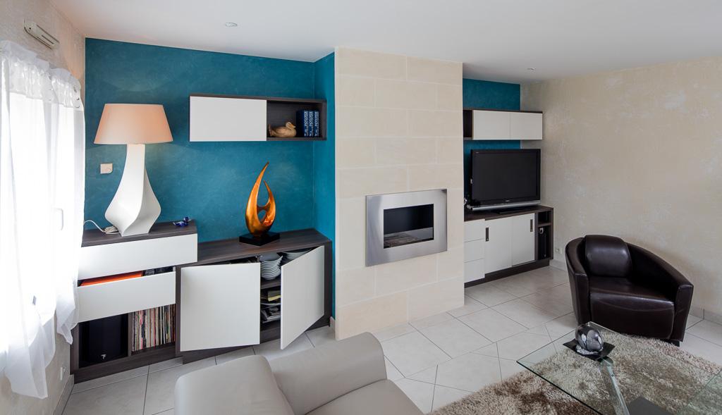meuble tv biliothèque rangement cheminée éthanol - vue de gauche portes ouvertes