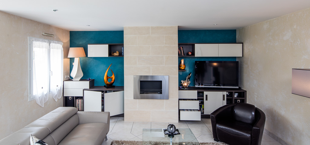 meuble tv biliothèque rangement cheminée éthanol - vue de face portes ouvertes