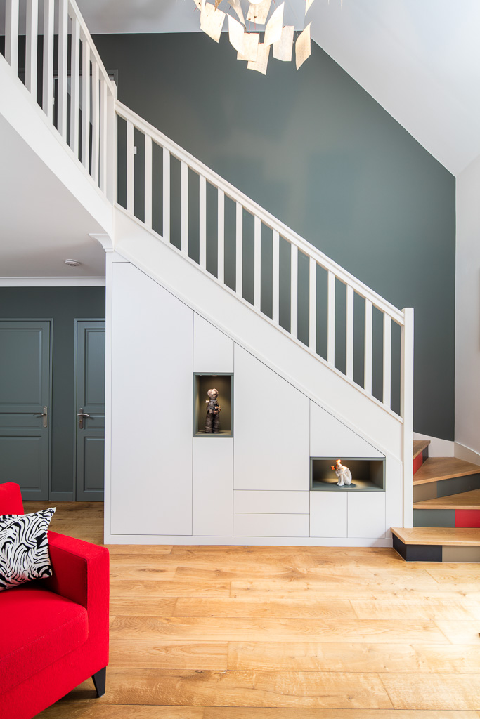 Placards en sous escalier con us fabriqu s et pos s sur mesure Meuble sur mesure sous escalier