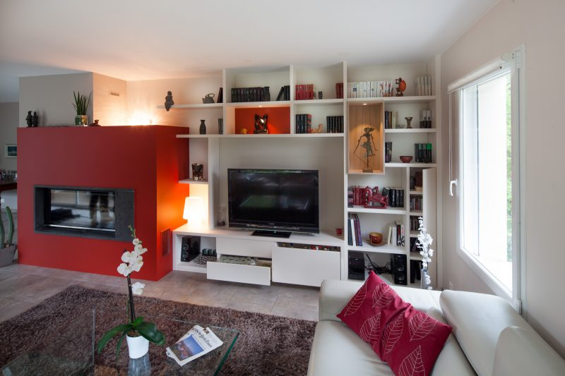 Bibliothèque linéaire et meuble Tv sur-mesure -version ouverte