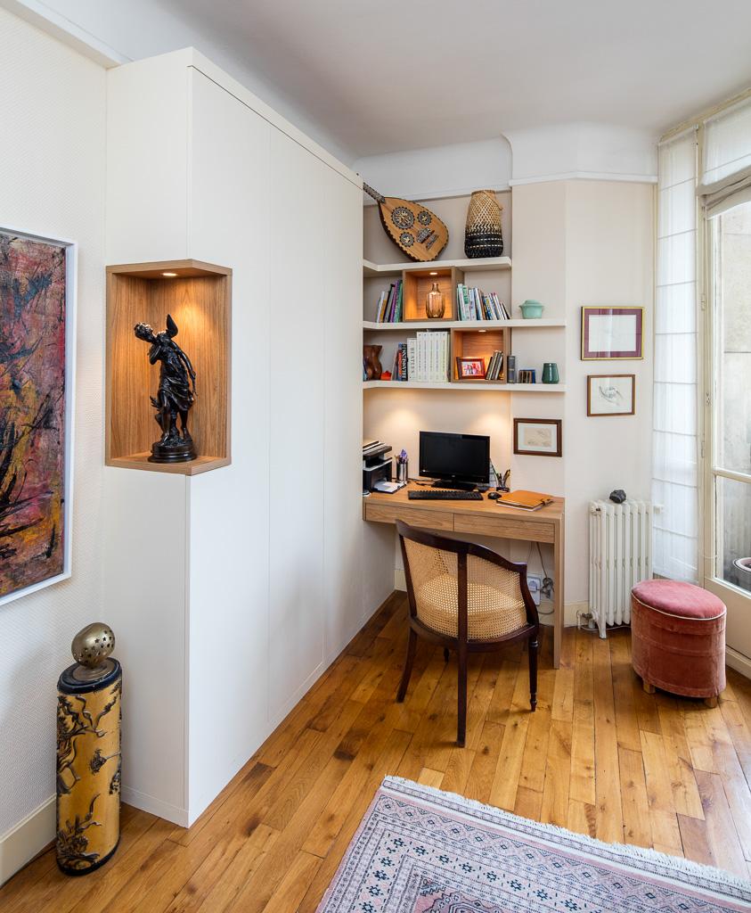 Bureau en bois et placard avec niche -version fermée