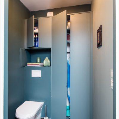 Placards bleu de toilette -version ouverte