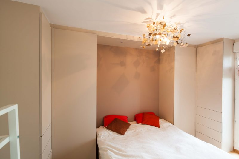 Chambre avec placards et penderies -version fermée
