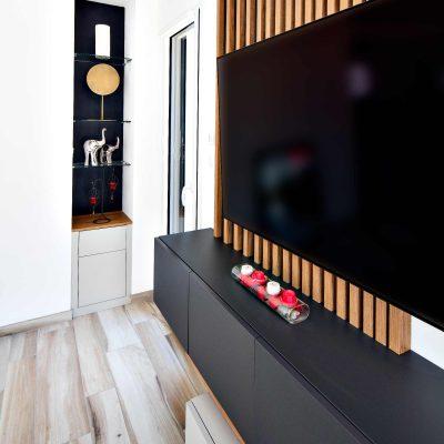 Meuble TV tasseaux asymétriques - détail côté droit